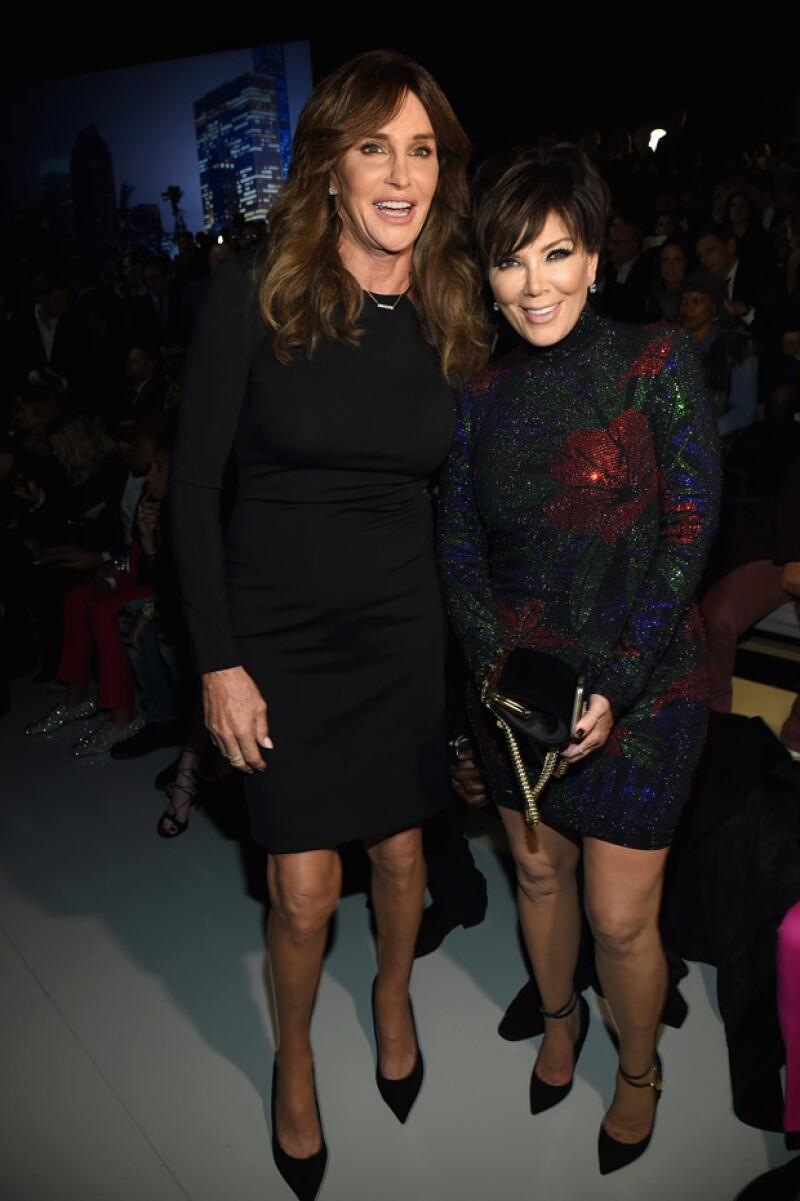 Kris Jenner y Caitlyn Jenner se mostraron felices de apoyar a su Kendall en su debut para Victoria's Secret.