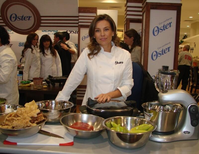 Dominika Paleta dio muestra de que también es excelente cocinera.