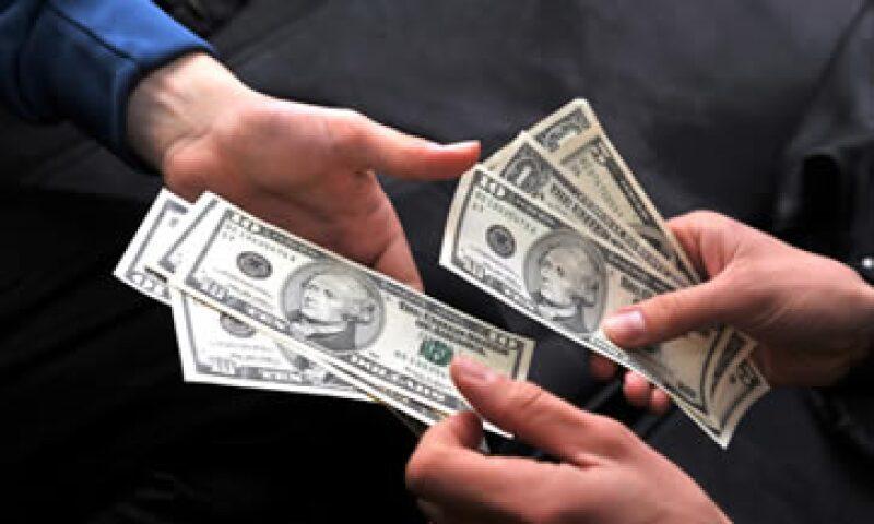 El dólar se muestra fuerte en el mercado cambiario debido a indicadores económicos de Estados Unidos. (Foto: Getty Images)