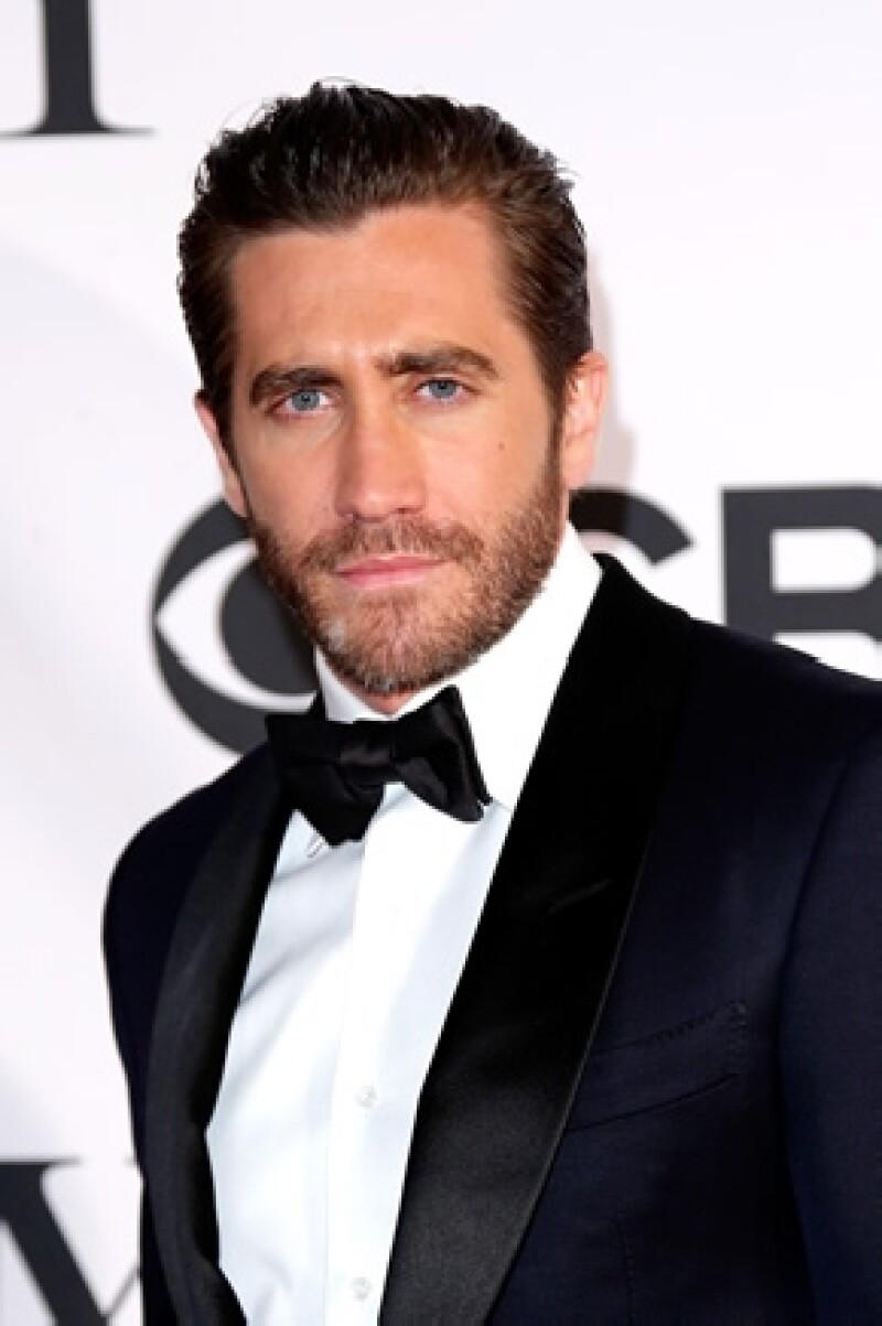 El guapo actor fue visto en actitud cariñosa con la modelo de Sport Illustrated Alyssa Miller.