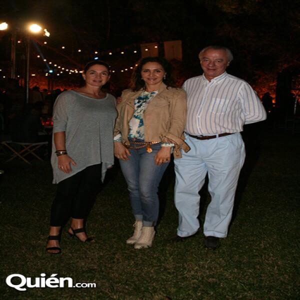 Gloria Saez,Angélica Fuentes,Pedro Saez