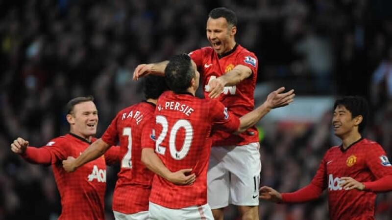 manchester united celebra su triunfo