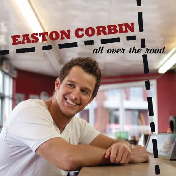 Easton Corbin tiene la babyface, tiene la voz y tiene el cuerpo. Yee-haw!