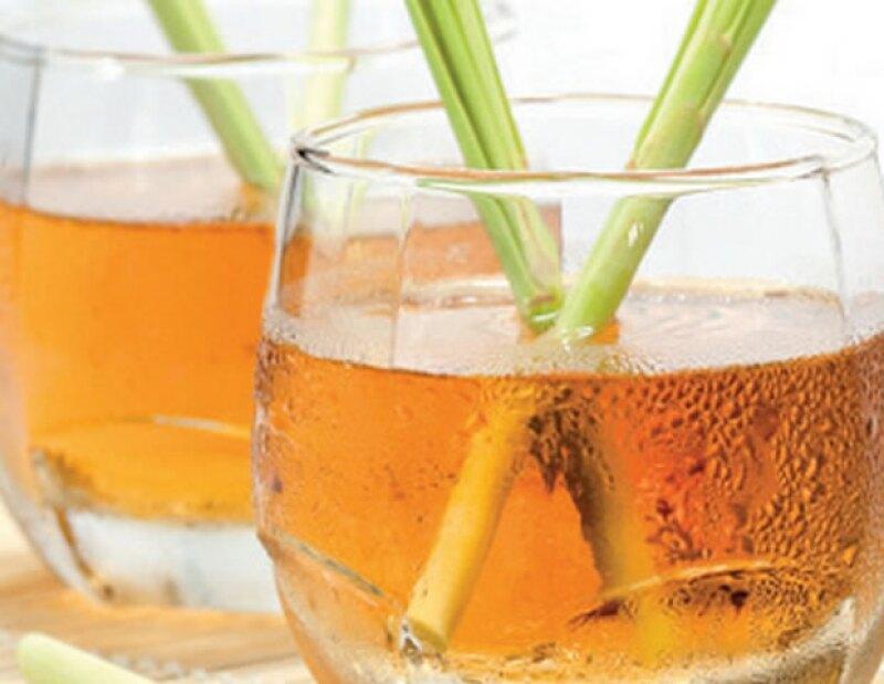 El té de limoncillo ayuda con cualquier tipo de problema estomacal y a aliviar los nervios y la ansiedad.