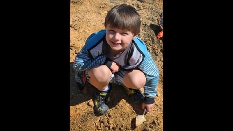 Un niño de cinco años descubrió un nodosaurio cuando excavaba en un centro comercial