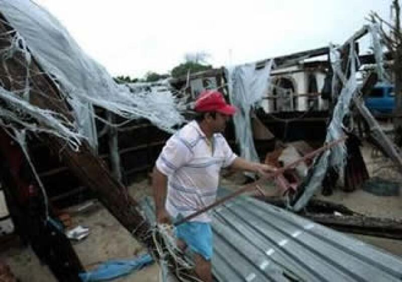 Tras el paso de Jimena como huracán, diversas localidades en Baja California quedaron incomunicadas. (Foto: Reuters)
