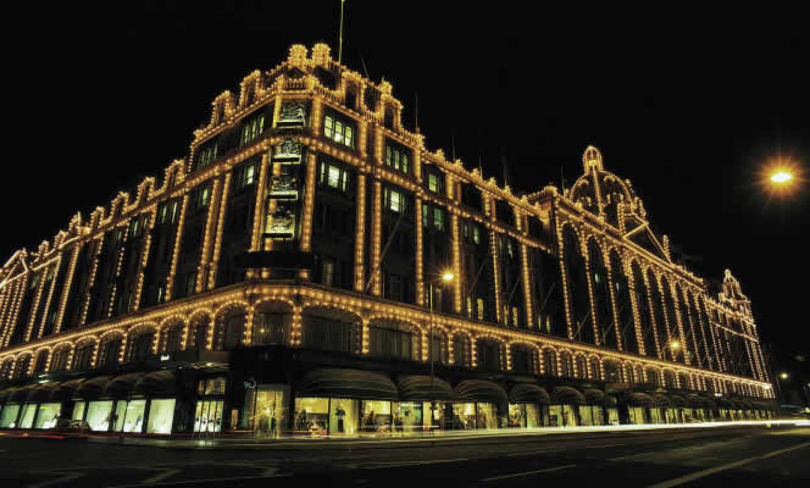 Construida en 1834, esta tienda departamental de lujo posee más de 330 departamentos a lo largo de sus 18,000 metros cuadrados. En octubre de 2009, la tienda empezó a vender barras de oro de hasta 12.5 kg.