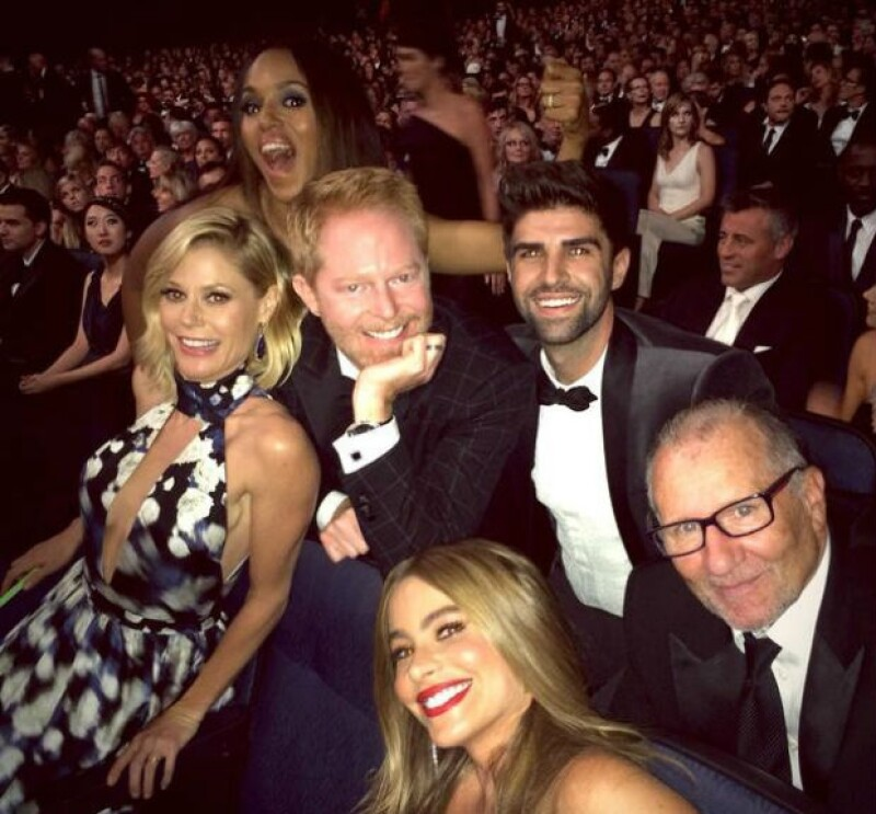 """Sofía y el elenco de """"Modern Family"""" en los Emmy 2014."""
