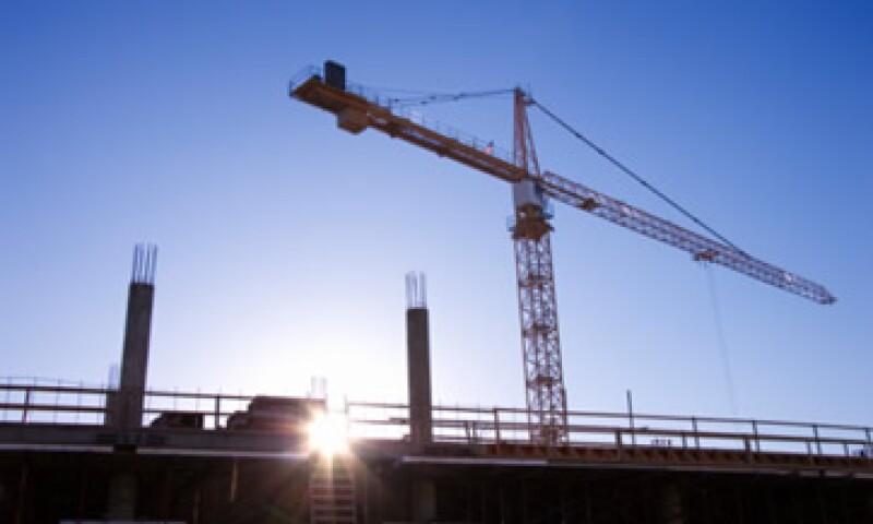 El INEGI informó que con menores proporciones se colocaron las obras relativas a Petróleo y Petroquímica. (Foto: Thinkstock)