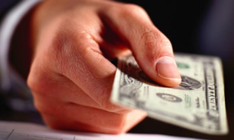 Banco Base prevé que este jueves el dólar oscile entre 13.97 y 14.09 pesos por dólar. (Foto: Thinkstock)