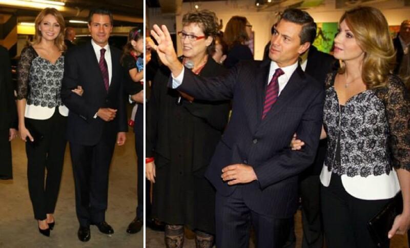 En Sacramento, Angélica y Enrique hicieron un recorrido por la exposición de la mexicana Marcela Lobo.