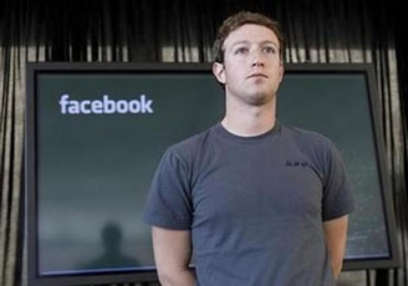 Mark Zuckerberg, CEO de Facebook, fue elegido el personaje del año 2010 por la revista Time. (Foto: Reuters)