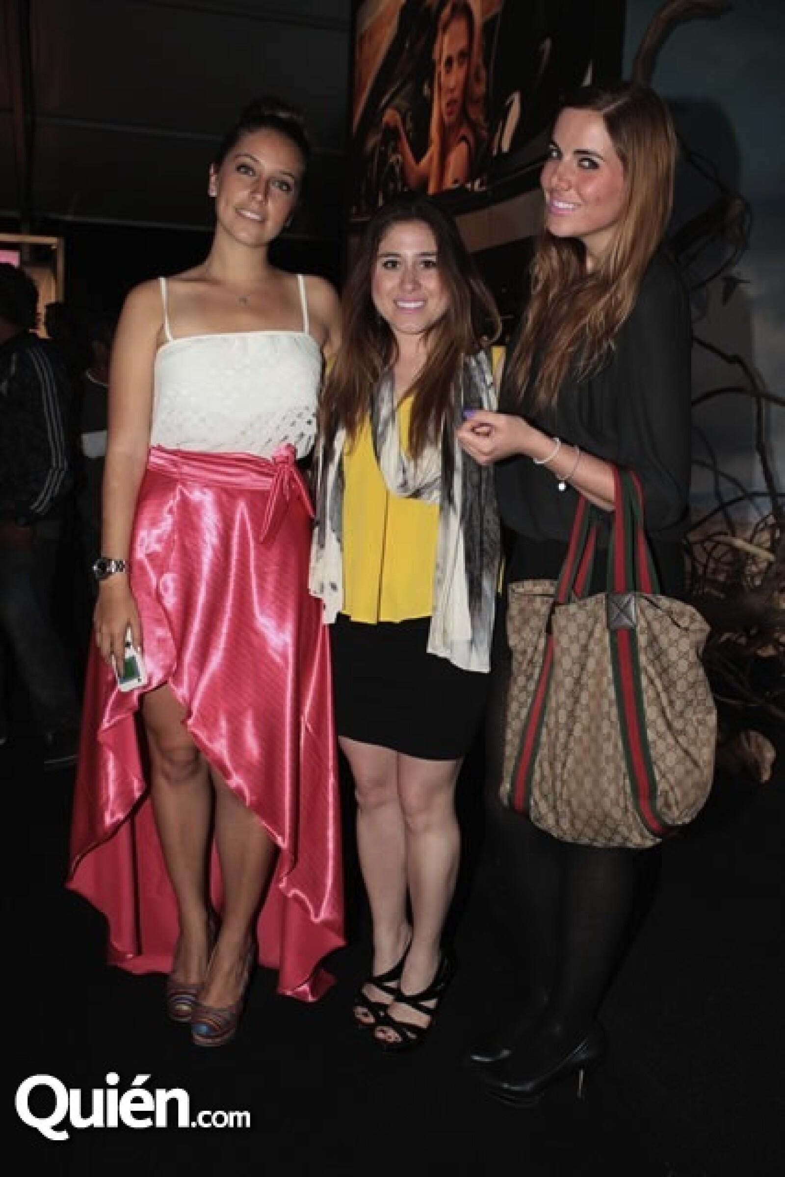 Simonetta Moras, Hayette Burad y Stephanie Von Hauske