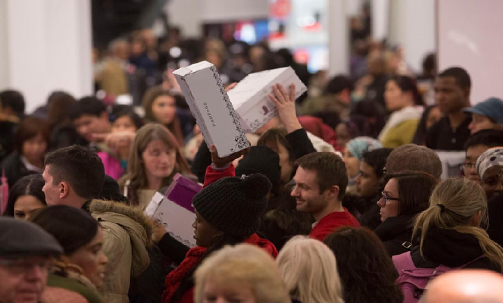 La NFR estima que unos 140.1 millones de personas realizarán compras este jueves, viernes, sábado o domingo. De esos, el 18.3% planeaba iniciar sus compras desde este jueves.
