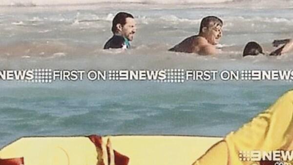 El actor se encontraba disfrutando de la playa en Sidney, sin embargo, el fuerte oleaje casi le arrebata a su hijo.