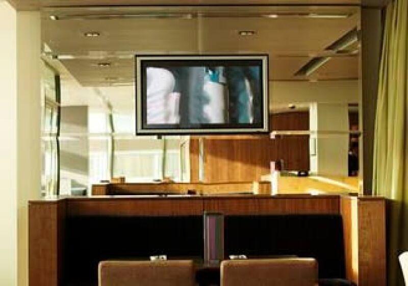 El número de pantallas de plasma y LCD de más de 60 pulgadas crecerá de 143,000 unidades en 2008, a 345,000 en 2010.  (Foto: Jupiter Images)