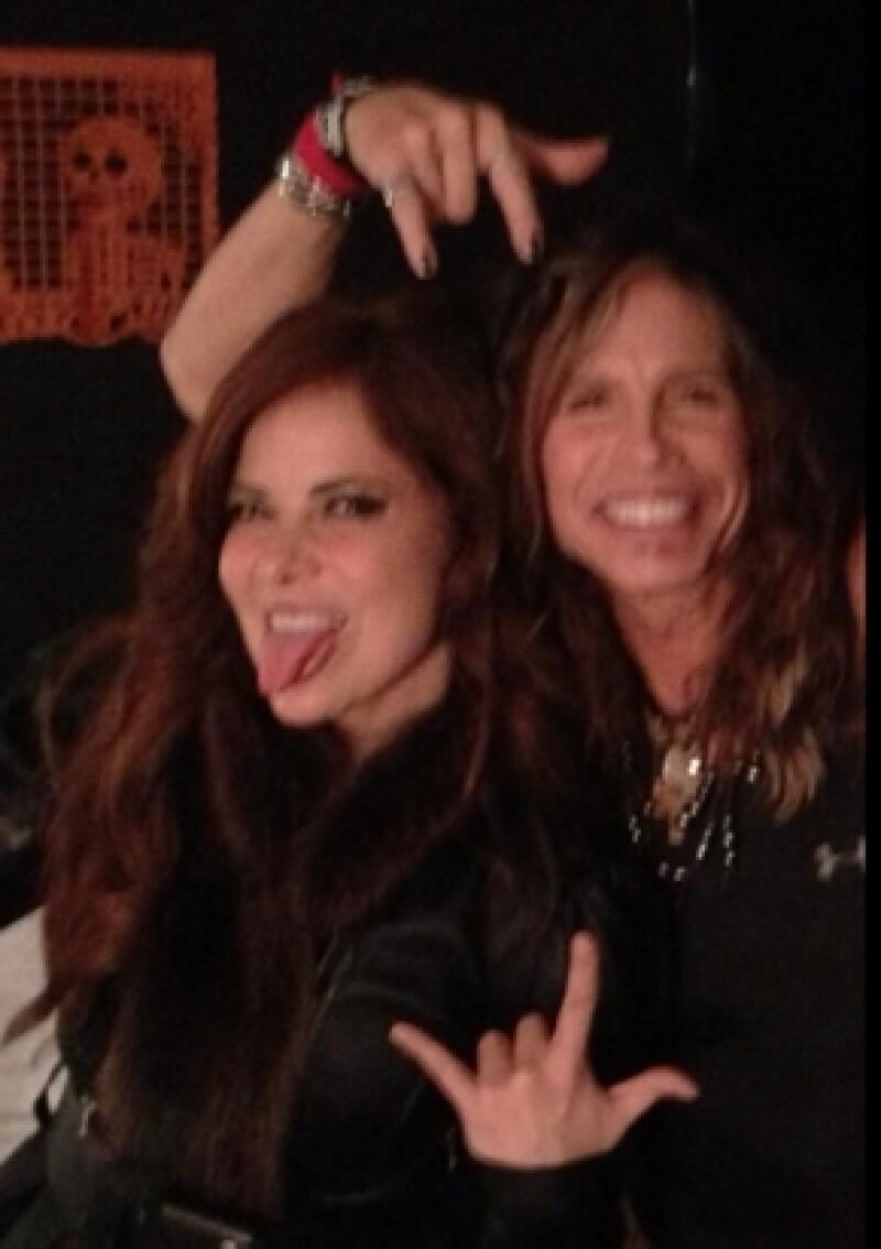 Gloria Trevi compartió esta foto, donde sale con Steven Tyler, en Twitter.