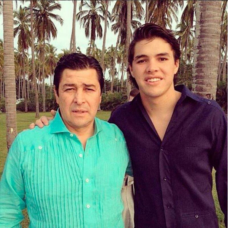 Fernando, de 25 años, es hijo del ex futbolista y director técnico Luis Fernando Tena.