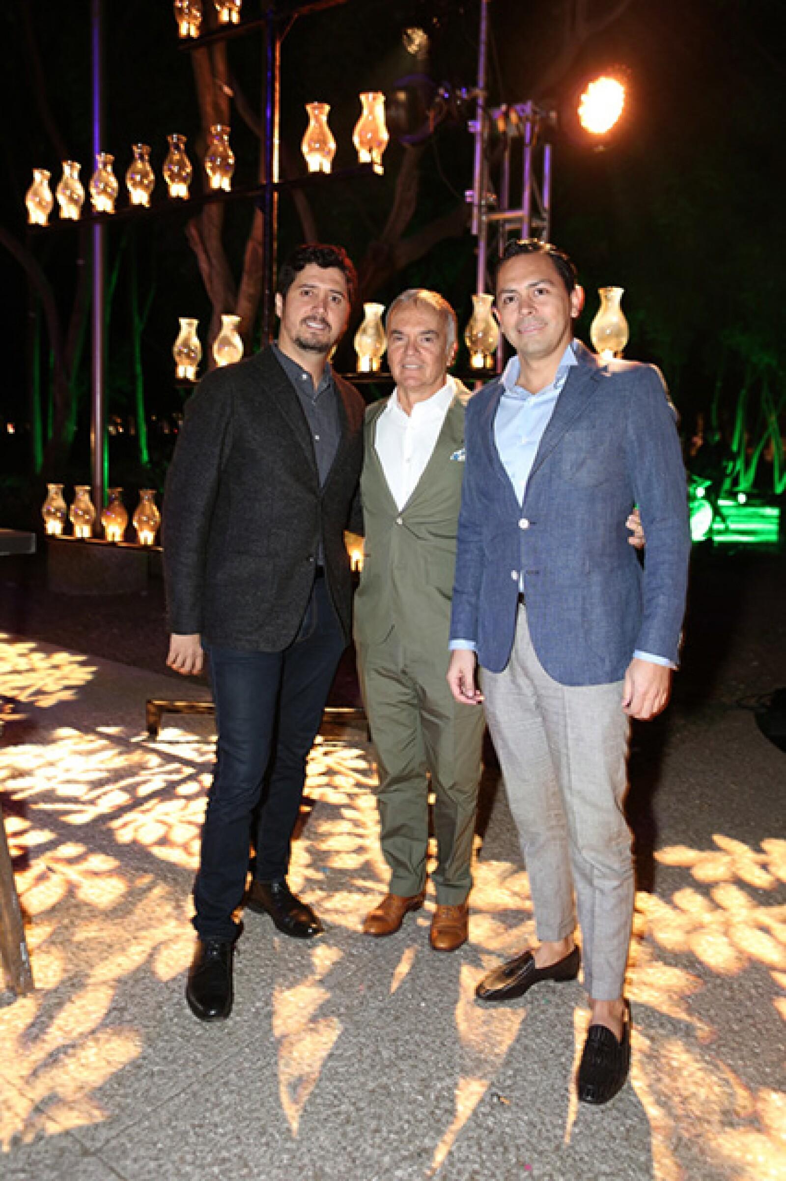 Óscar Roldán,Luis Efe Vélez,Jorge Saldarriaga