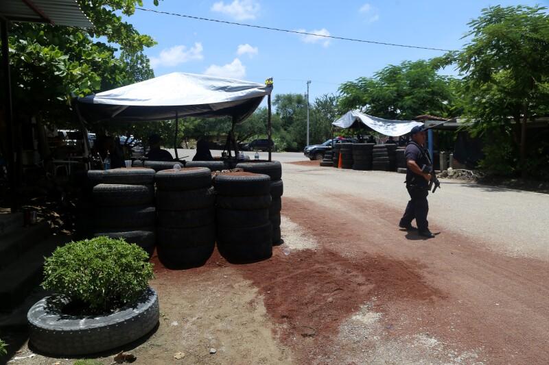 Habitantes de Tepalcatepec se encuentran en medio de un conflicto entre miembros del CJNG y supuestos grupos de autodefensas.