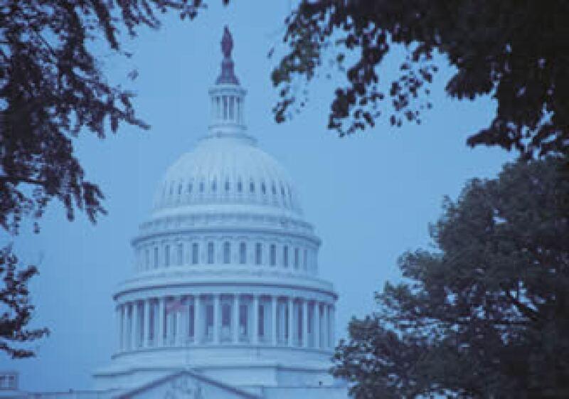 El Senado de EU discute fórmulas para disminuir el déficit público en los siguientes años. (Foto: Jupiter Images)