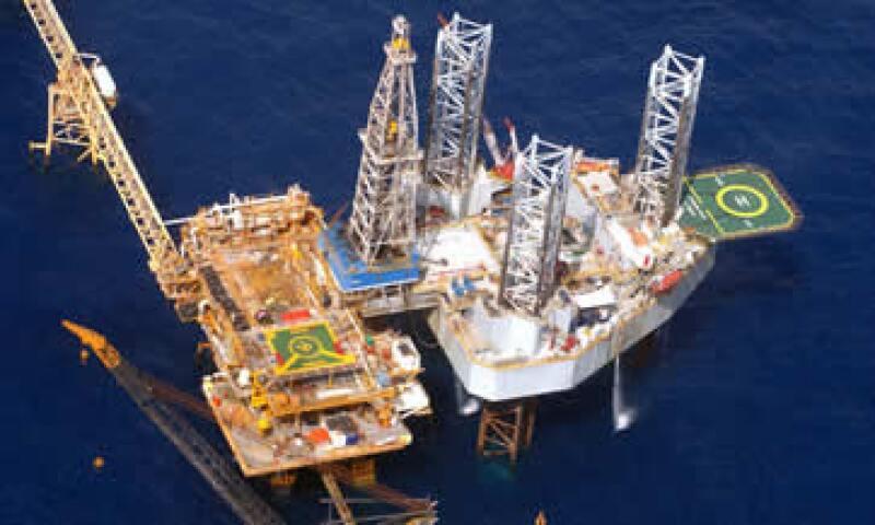 En el territorio y las costas de Tabasco se desarrollan diversas actividades petroleras. (Foto: Cortesía Pemex)