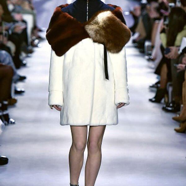 Dior: Diorific Vernis, Navidad 2015 edición limitada. State of Gold. Viste las uñas con joyas preciosas y reflejos de platino y oro. Boutiques Dior. Precio en punto de venta.