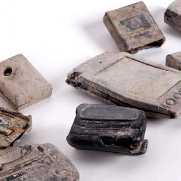 11-S - Newseum - carteras y celulares