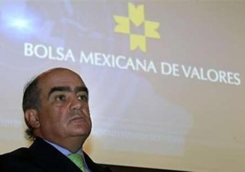 El mercado quedó pendiente de la resolución de la crisis en Irlanda. En la imagen Luis Téllez, presidente de la BMV. (Foto: Reuters)