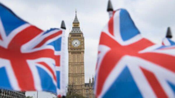 El primer ministro británico, David Cameron, buscó evitar la regulación al sector financiero de su país. (Foto: Thinkstock)