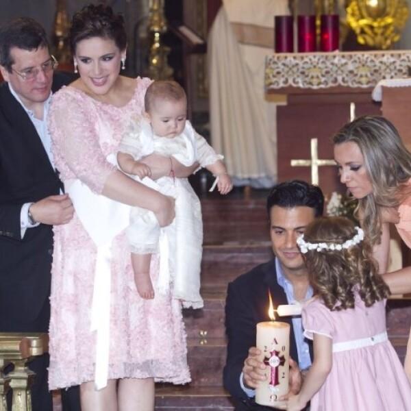 El bautizo se realizó en la Basílica de Guadalupe.