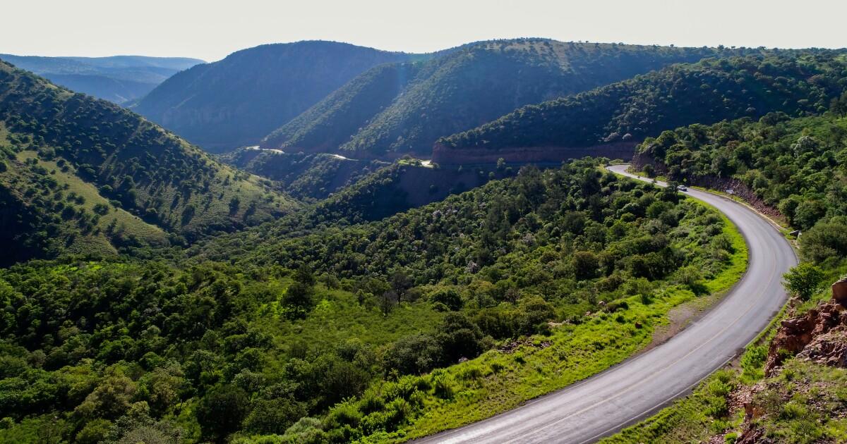 Se derrumban carreteras autoconstruidas impulsadas por AMLO