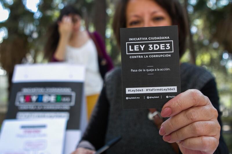 120,000 firmas son exigidas por la ley, pero se lograron reunir casi seis veces más de las necesarias en 64 días