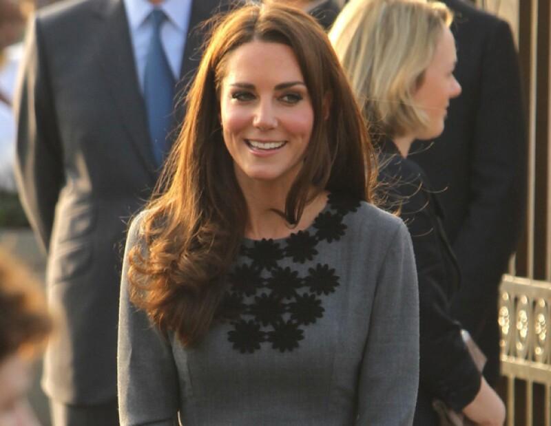 Las apariciones en público de Catalina Middleton han sido hasta ahora para apoyar el rol de su marido, el príncipe Guillermo.