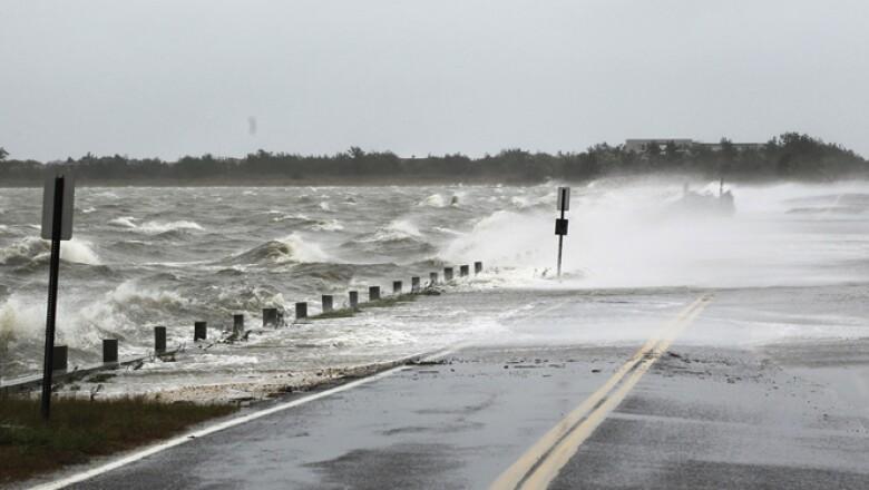 Nueve estados fueron declarados en emergencia y el presidente Barack Obama advirtió a la nación que debía protegerse.