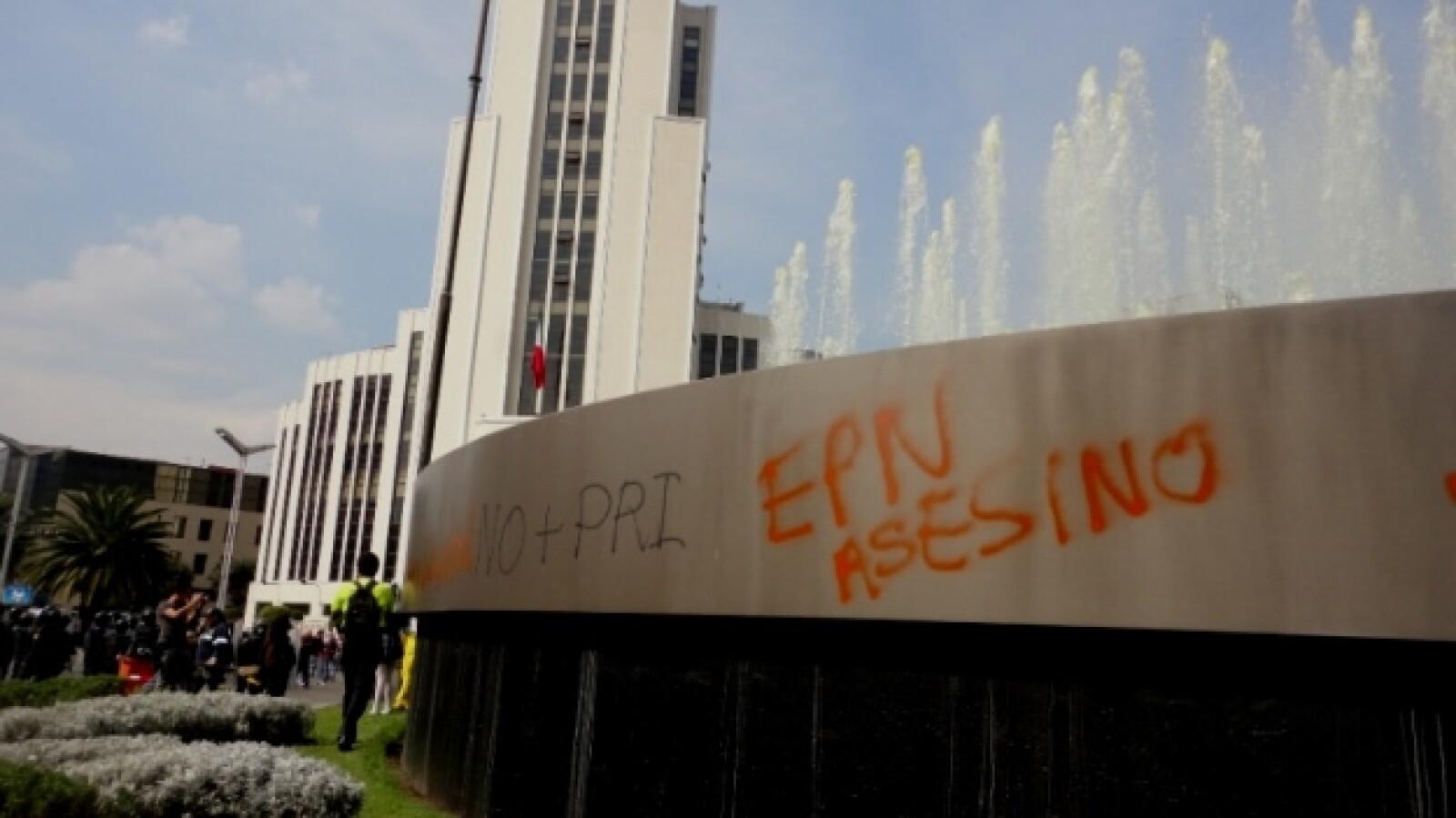 protesta _toma de posesión_ Peña 35