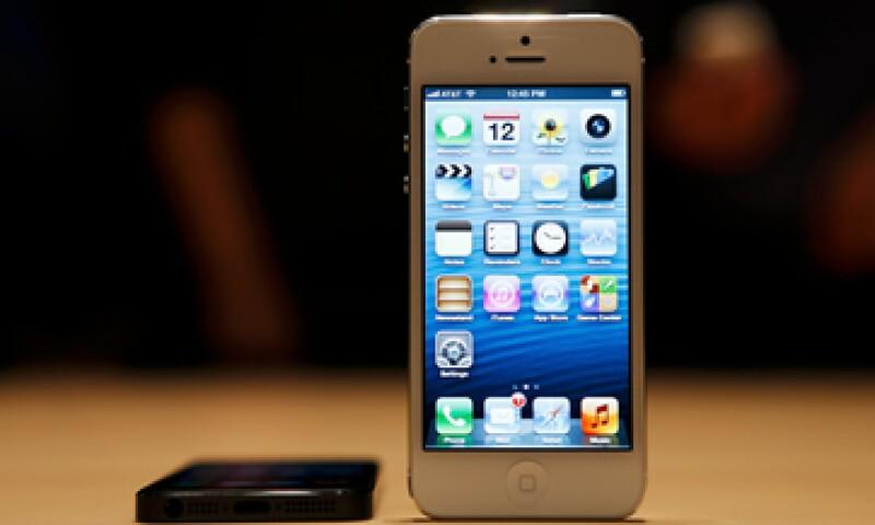 El iPhone 5 tiene una pantalla más grande y tecnología 4G. (Foto: Reuters)