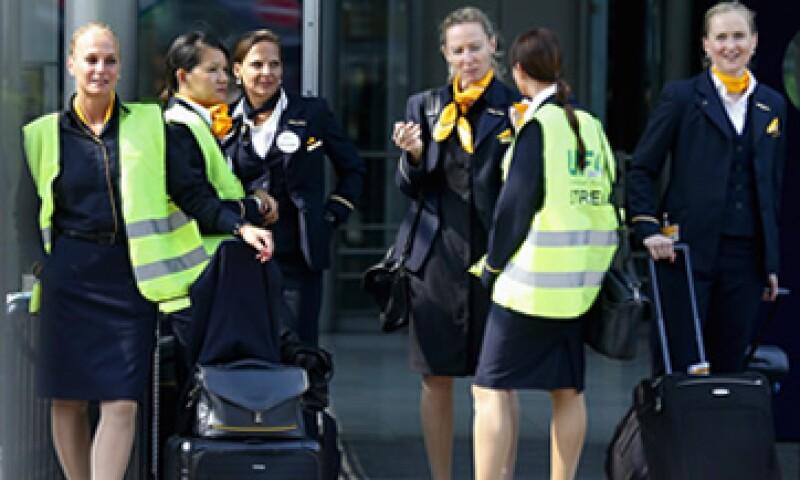 El sindicato quiere un aumento al salario del 5%, pero la empresa ha ofrecido sólo 3.5%. (Foto: Reuters)