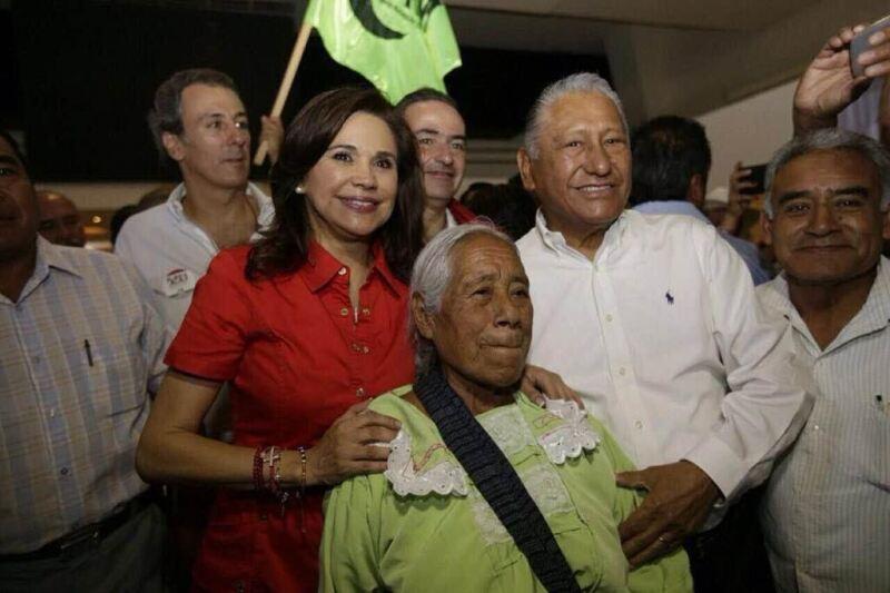 Quizá el cariño entre el hoy mandatario local y los Morales se forjó durante el tiempo en el que él trabajó como secretario de Finanzas (1999-2003).