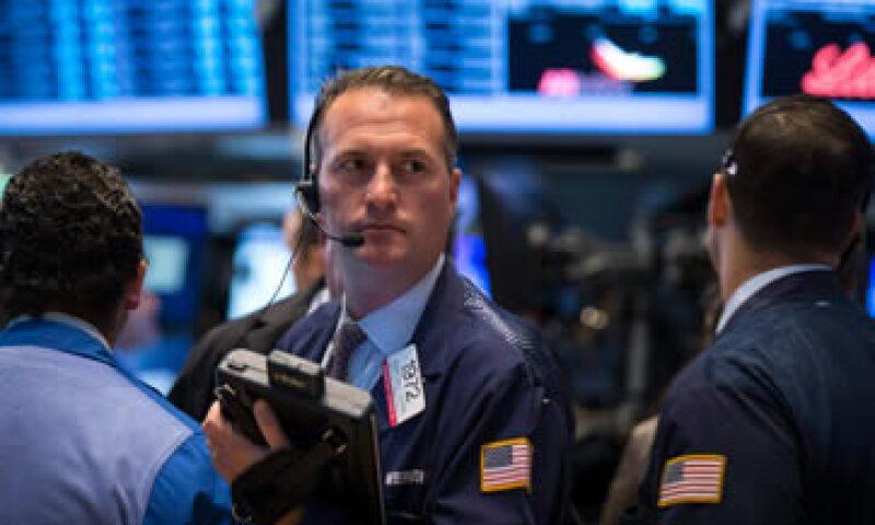 Wall Street se vio beneficiado también por la expectativa de que la Fed podría retardar el recorte a su estímulo. (Foto: Reuters )