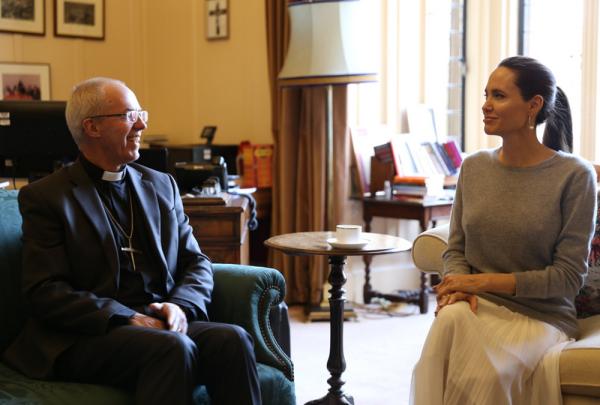 Angelina Jolie y el arzobispo Justin Welby