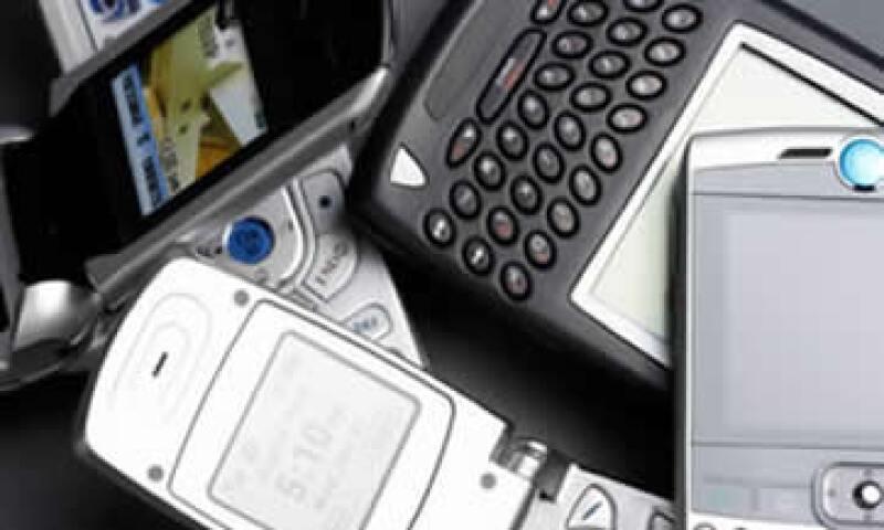 Para los operadores puede resultar muy difícil desagregar las tarifas de los servicios de telefonía que se ofrecen en paquete, dijo Mony de Swaan. (Foto: Archivo)