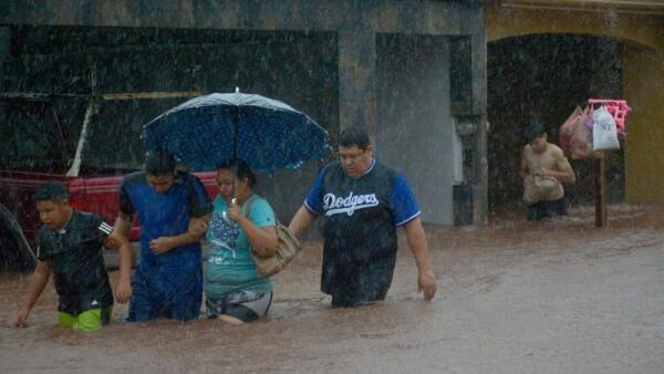 Al menos tres personas han muerto por las lluvias en Sinaloa