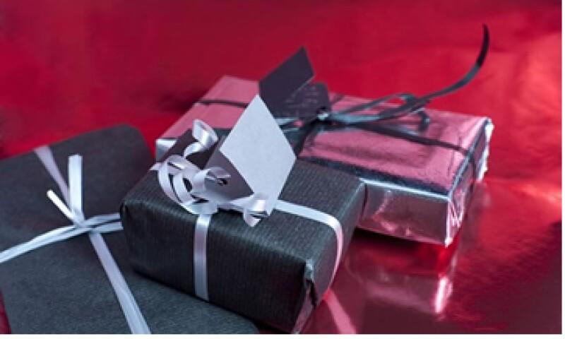 Si le harás un regalo a tu familia y amigos,  piensa en ti también y consiéntete. (Foto: Archivo)
