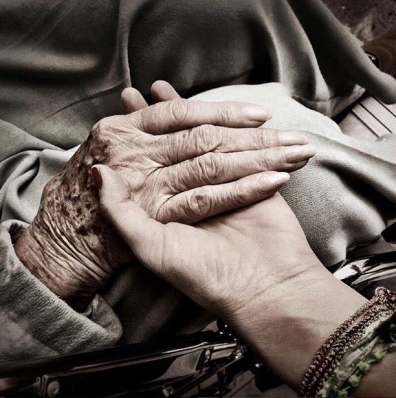 El viaje express de la cantante se debió al estado de salud de su abuela, a cuyos brazos regresó hace unos meses.