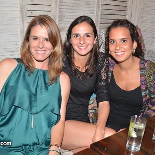 Susana Rojas,Tere Rivero y Clara Muñoz.