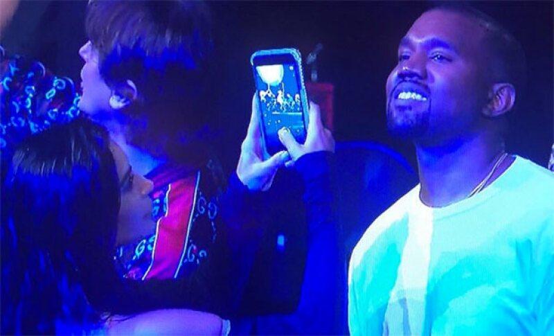 La estrella de reality protagoniza un divertido GIF, ¿caíste en la confusión igual que Kanye?