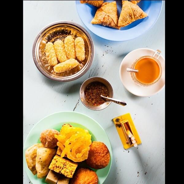 comida en una tienda de té birmana