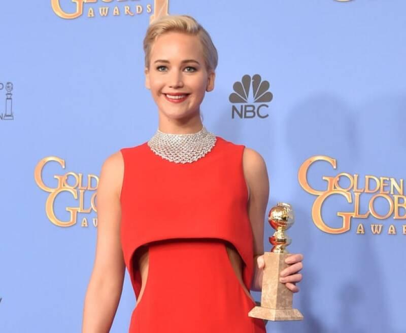 ¿Recuerdas el vestido Dior que la actriz eligió para la premiación? Pues más allá de ser el indicado, la joven confesó en una entrevista que su periodo la obligó a usarlo.