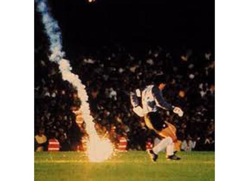 ¿Recordabas que todo esto sucedió en las diferentes ediciones de la Copa del Mundo? No te pierdas los más increíbles acontecimientos que han sacudido al mundo del futbol.